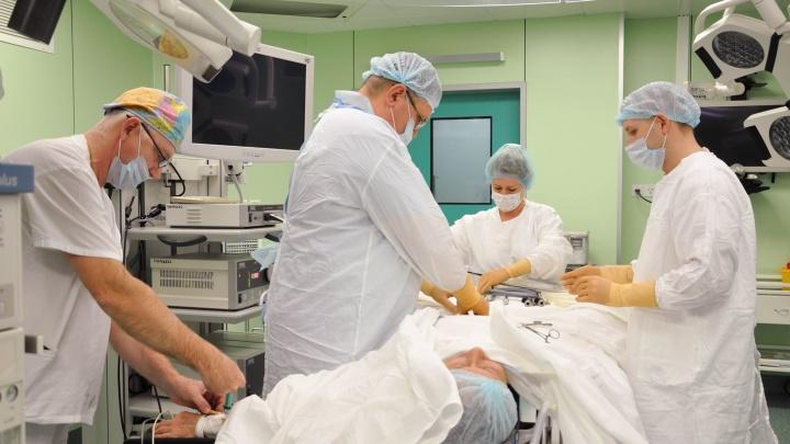 В онкодиспансере научились удалять кишечник без разреза пациента