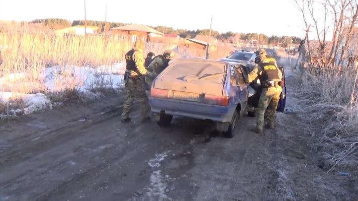 В Челябинске ФСБ задержала участников банды оружейников