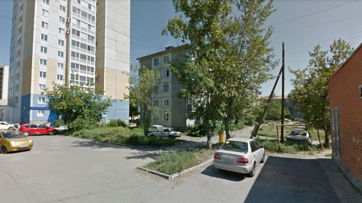 На улице Сергея Васильева в Кургане прокуратура требует провести освещение