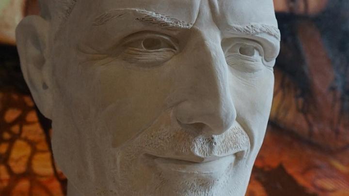 Бессмертный Стив Джобс: в центре Волгограда поставят двухметровую скульптуру создателя Apple