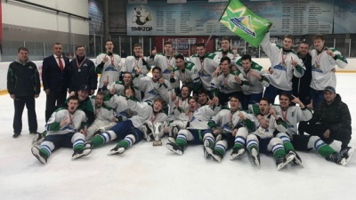Есть шанс в будущем: 18-летние хоккеисты «Салавата Юлаева» взяли кубок ЮХЛ