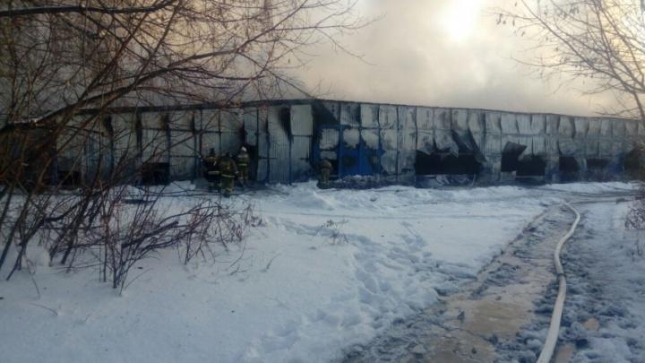 Троих сибиряков отдали под суд после смертельного пожара на обувной фабрике под Новосибирском