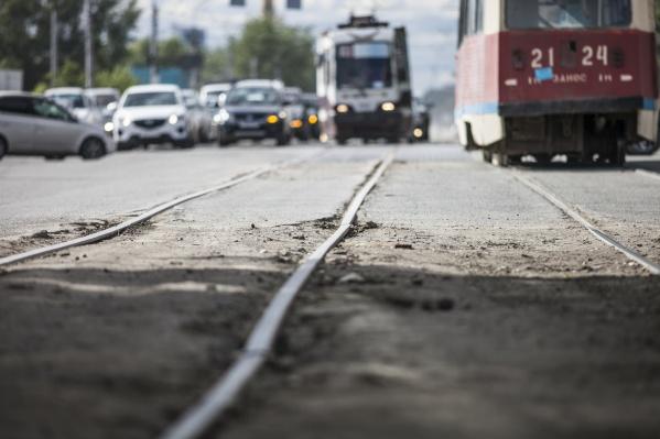 На проспекте Дзержинского на выходных будут ремонтировать трамвайные пути