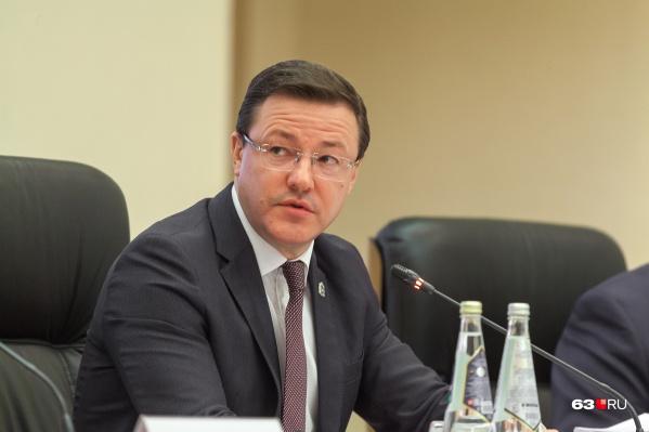Дмитрий Азаров обещал завершить формирование нового правительства до конца октября. Но пока в кабинете министров еще есть чиновники с приставкой «врио»