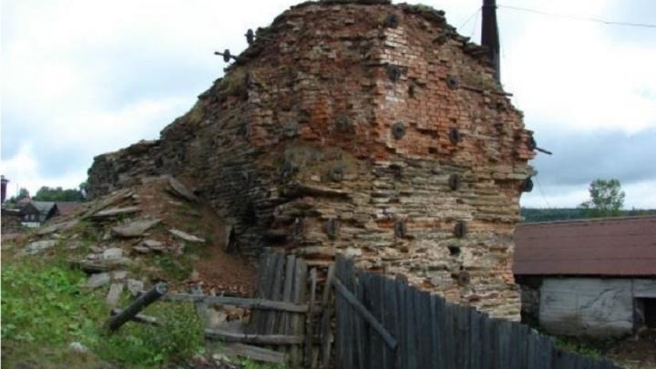 Государство не охраняло. В Пермском крае снесли уникальную доменную печь конца 18-го века