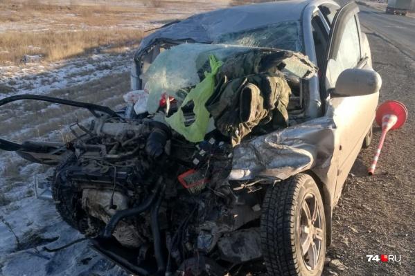 Водитель и пассажир KIA чудом выжили, но находятся в тяжёлом состоянии