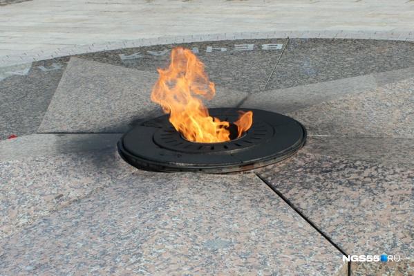 Мемориал в Таре девушки не повредили. Фото из архива НГС.ОМСК