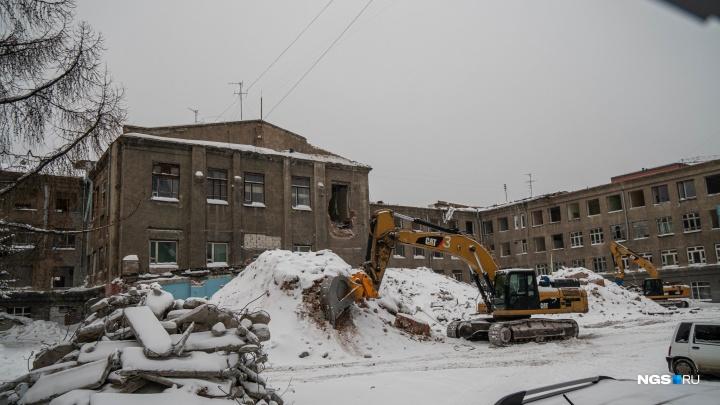 На Красном проспекте сносят корпус НЭВЗ — здание и участок уже не принадлежат предприятию