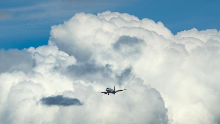 Выше подними свои глаза: смотрим на весеннее небо Омска в облаках
