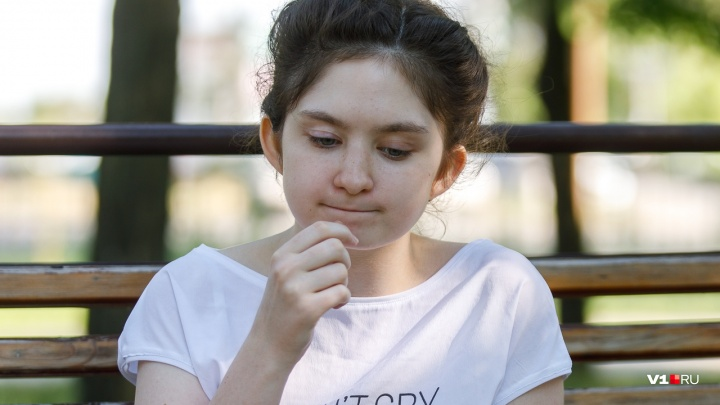 «Всю жизнь списывали и получали двойки»: стобалльники из Волгограда рассказали, как победить ЕГЭ