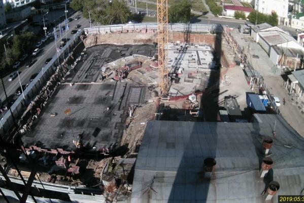 Вид на строительную площадку сверху