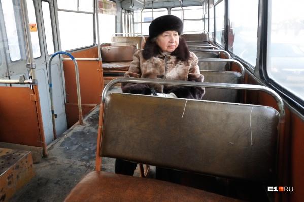 Движение троллейбусов по Декабристов закроют с 08:00 до 10:00 24 марта