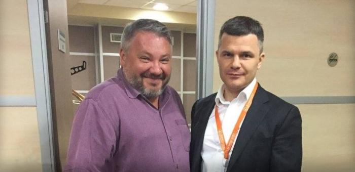 Дмитрий Каменщик (справа) с уральским монархистом и бывшим партнером по бизнесу Антоном Баковым