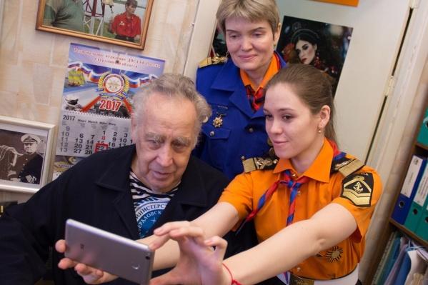 Владислав, Лариса и Дарья Крапивины