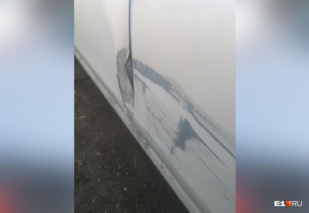 Теперь Марии нужно не только забрать свой автомобиль со штрафстоянки, но еще и возместить ущерб, причиненный ему в ДТП