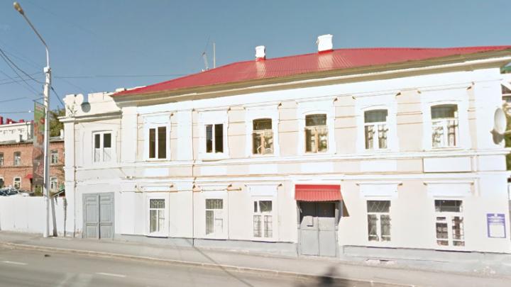 Столетний дом в центре Уфы признали аварийным