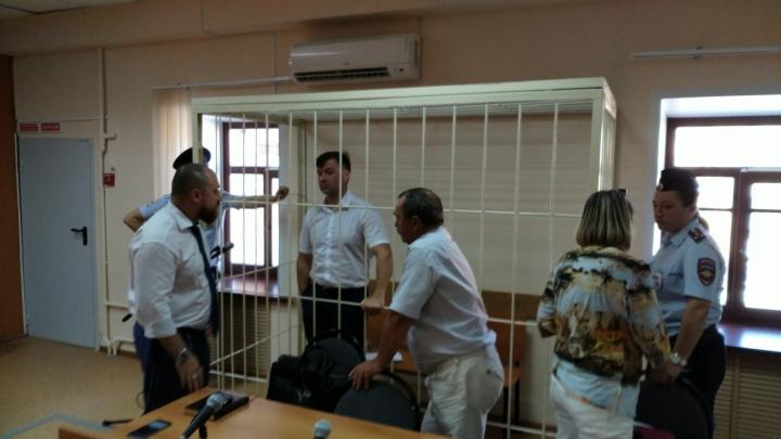Обеспечивал «крышу»: экс-сотрудник Росгвардии Дмитрий Сазонов «отметит» первый год в СИЗО