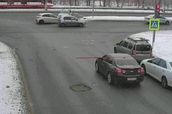 Волгоградские автомобилисты уверяют, что они не всегда могут заметить знак на дороге