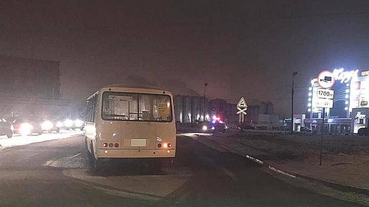 В Уфе пассажирский автобус сбил двух девушек