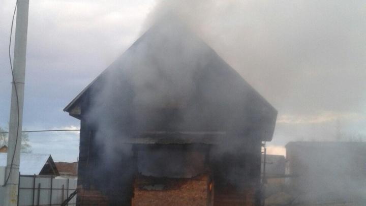 В Башкирии мужчина заживо сгорел в своем доме