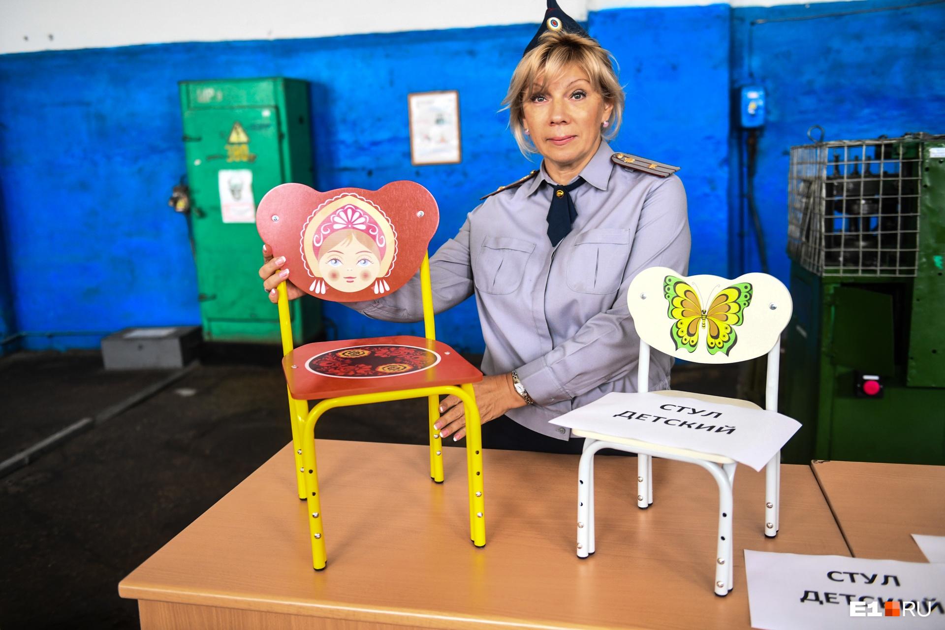 В колонии недавно освоили производство детских стульчиков. Посмотрите, как это мило!