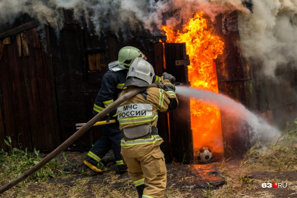 Возгорание на Балаковской тушили около часа