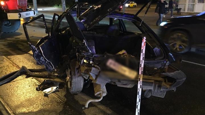 В Перми пьяный водитель Porsche Cayenne устроил серьезное ДТП на улице Мира