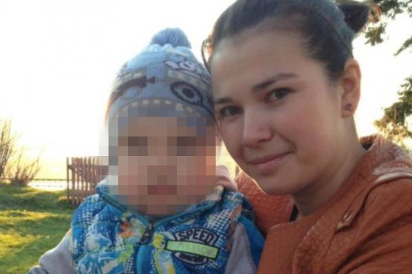 Лилию и её четырёхлетнего сына нашли зарезанными