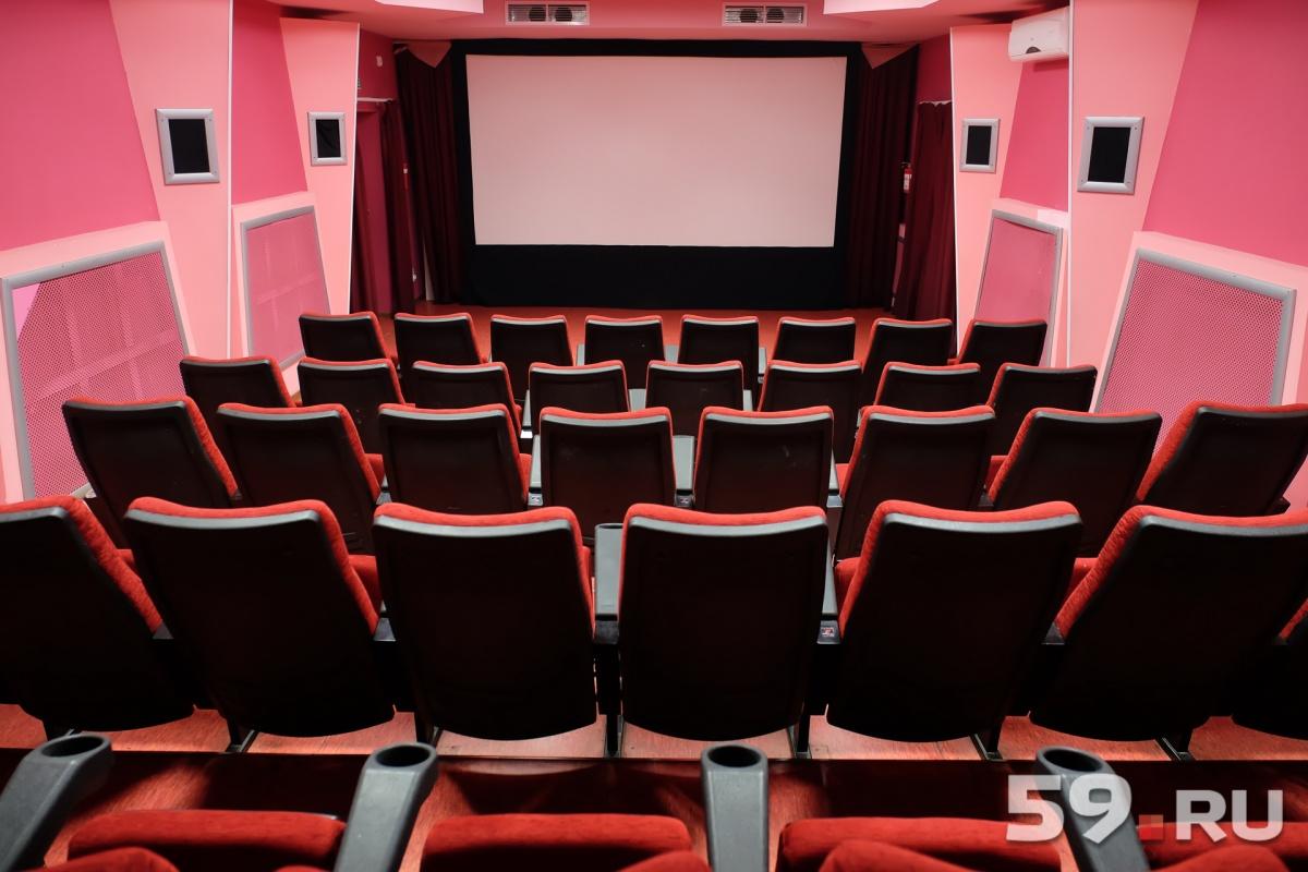 Закон опоказе накинофестивалях фильмов без прокатного удостоверения одобрен Советом Федерации