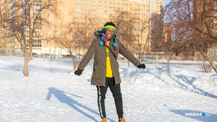 «Когда приехал, многие хотели со мной сфотаться»: как живется чернокожему студенту в Красноярске