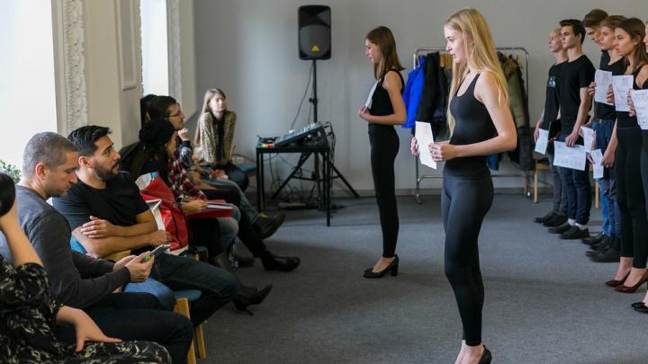 «Я красавица и хочу за границу»: как 200 юных моделей из Красноярска боролись за это право