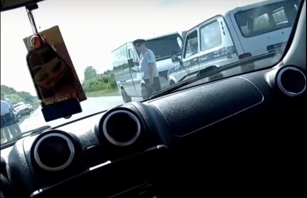 В Омской области на трассе Азово — Шербакуль застрелили водителя маршрутки