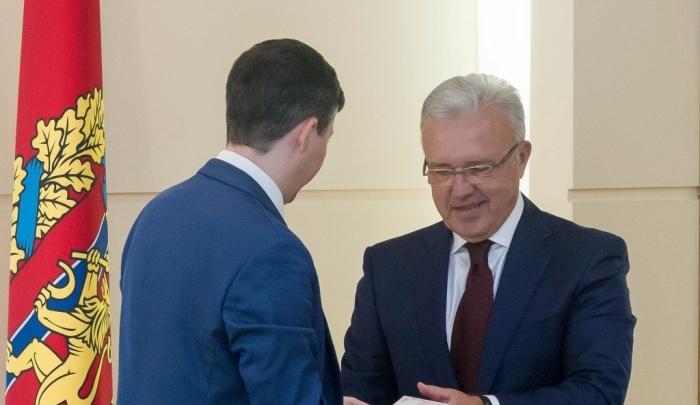 Александра Усса признали влиятельнее Рамзана Кадырова. И включили в число богатейших губернаторов