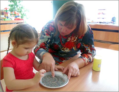 Жительница Красноярска в 40 лет переучилась на воспитателя детского сада ради своей мечты
