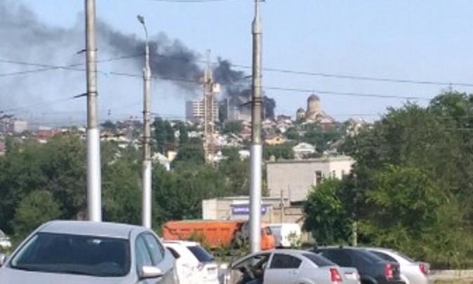 «Воняет до сих пор»: Краснооктябрьский район Волгограда накрыло едким дымом из-за сгоревшей свалки