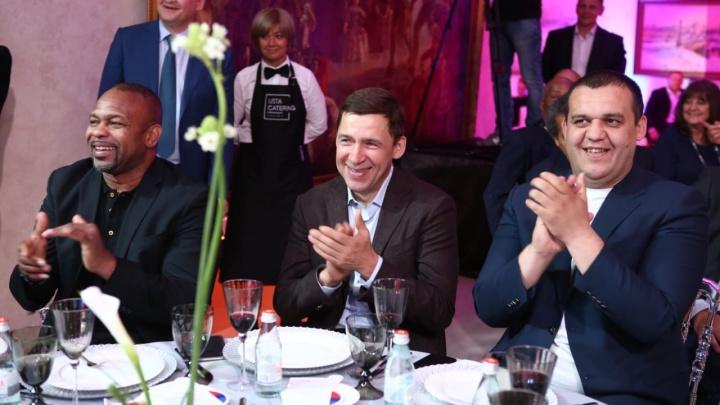 Боксёры продали свои пояса и перчатки и собрали 12 миллионов для детского онкоцентра в Екатеринбурге