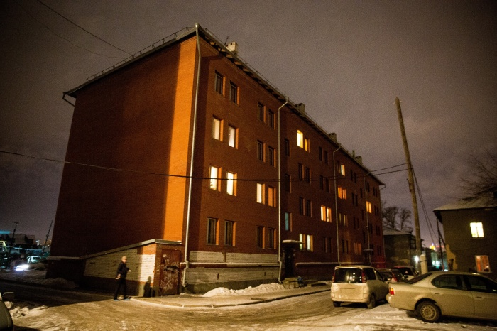 Дом по адресу улица Горбаня, 7, где работники мэрии в 2012–2014 годах приватизировали пять квартир маневренного фонда