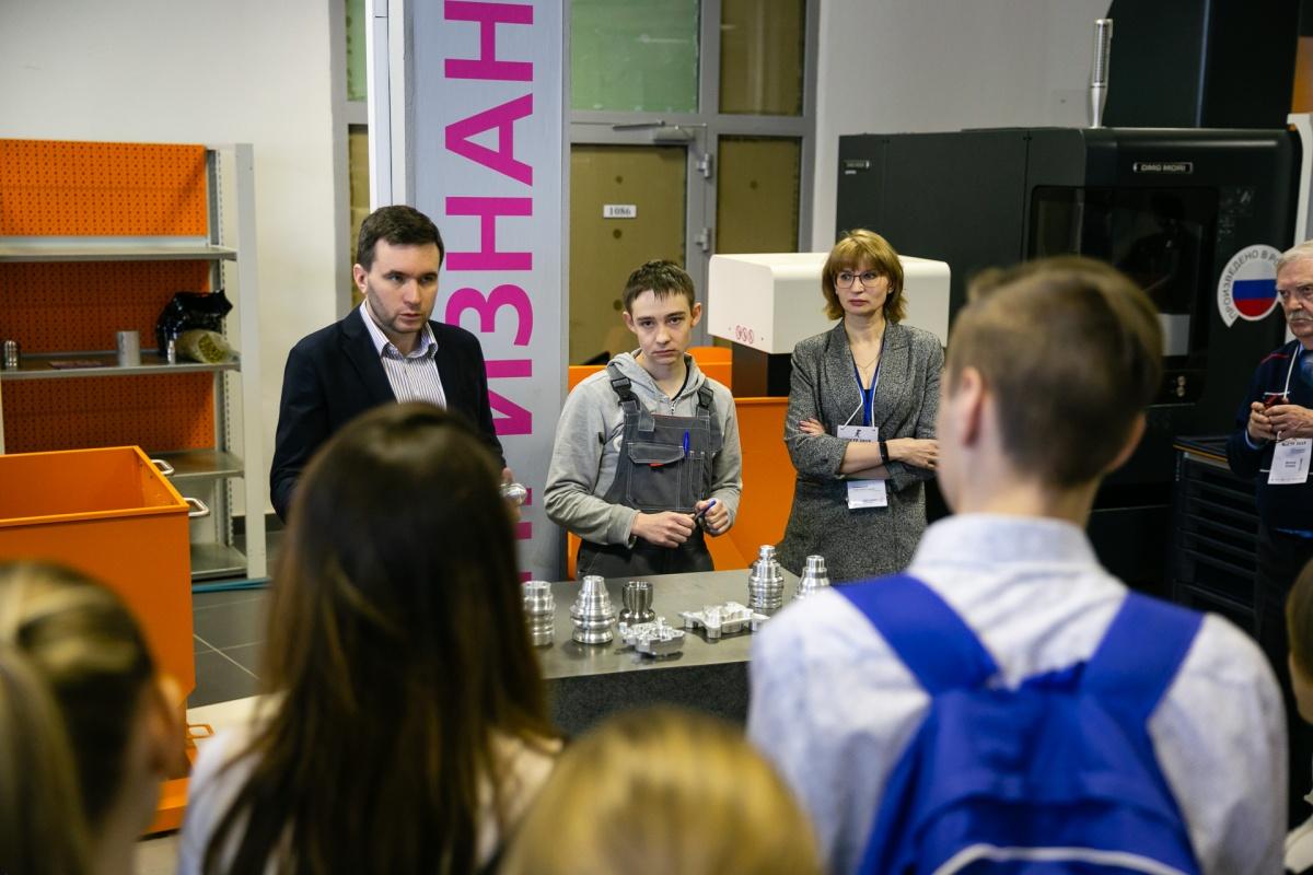 Гостям мероприятия показали лаборатории технопарка