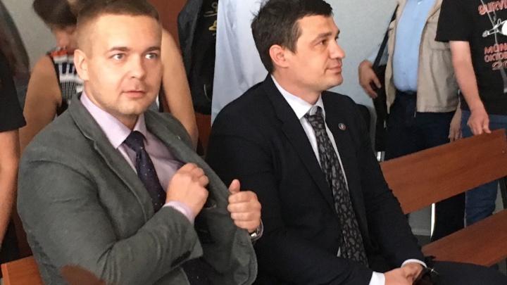 Обвиняемые в избиении DJ Smash пожаловались на пранкеров. Они якобы звонят от Генпрокуратуры в суды