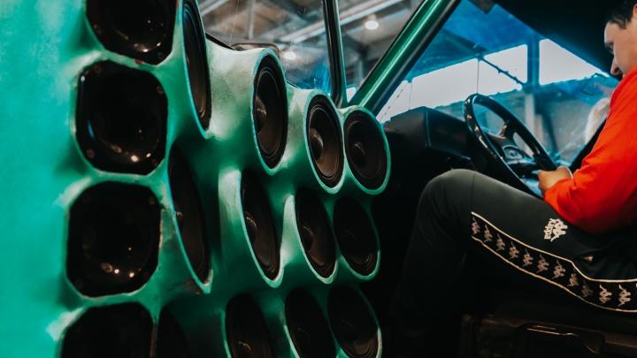 Шланги лопались, а усилители сходили с ума: в «Екатеринбург-Экспо» выбрали самые громкие автомобили