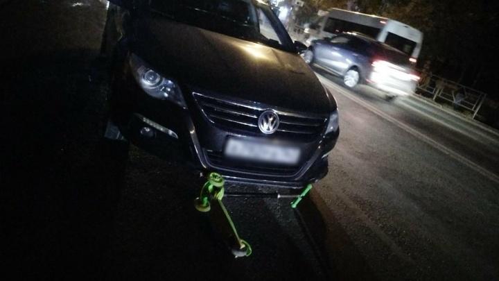 «Ему под колёса катился самокат»: в Самаре на проспекте Кирова столкнулись «Приора» и «Фольксваген»