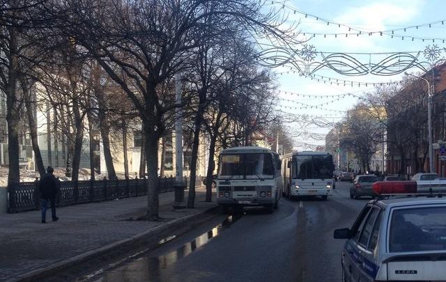 В центре Уфы водитель автобуса сбил подростка