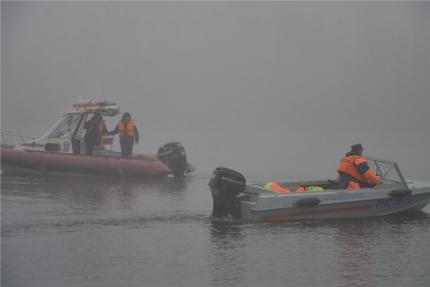 Land Cruiser с тремя мужчинами утонул в Енисее под Красноярском