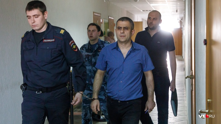 «Почему же они врут?»: в Волгограде узнают подробности страшного взрыва на Университетском, 60