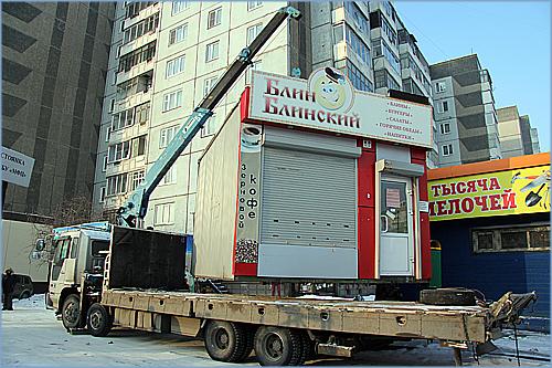 «Лишают парковок, сносят павильоны»: владельцы ларьков на примерах показали, как власть рушит бизнес