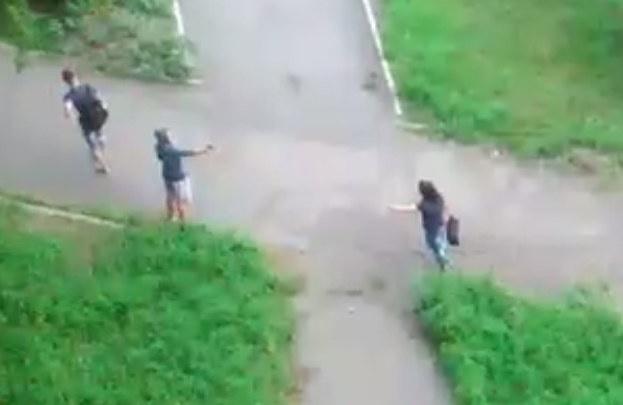 Парень расстрелял соперника во дворе из-за девушки