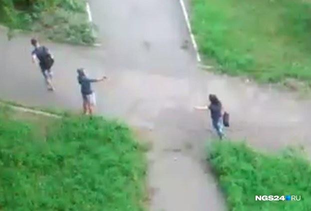 Двое мужчин вКрасноярске устроили драку сострельбой