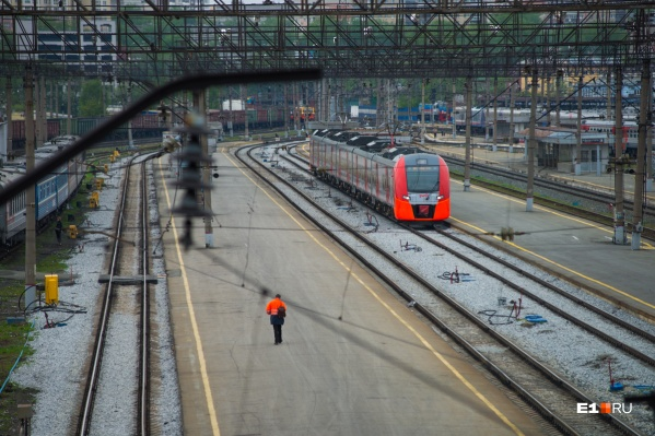 Путь от Екатеринбурга до Челябинска, по мнению Дмитрия Медведева, должен будет занимать час с небольшим