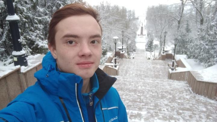 «Благо свершает он для народа»: школьник из Таганрога записал видеообращение к президенту