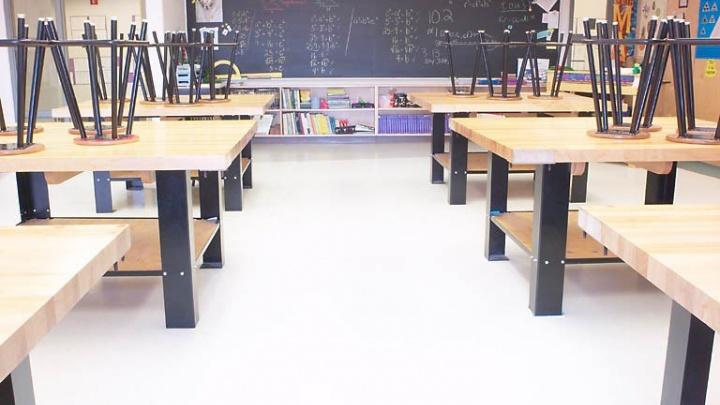 Карантин закончился, начались актировки: из-за мороза ученикам начальных классов отменили занятия